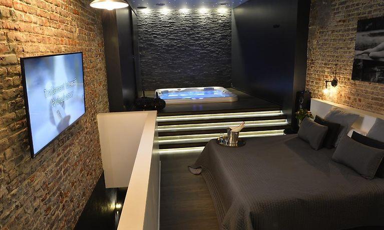 Chambre Avec Jacuzzi Sauna Privatif Brussels